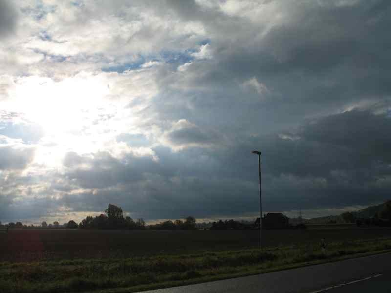 Aber schon bald bricht die Sonne das erste mal durch die Wolkendecke