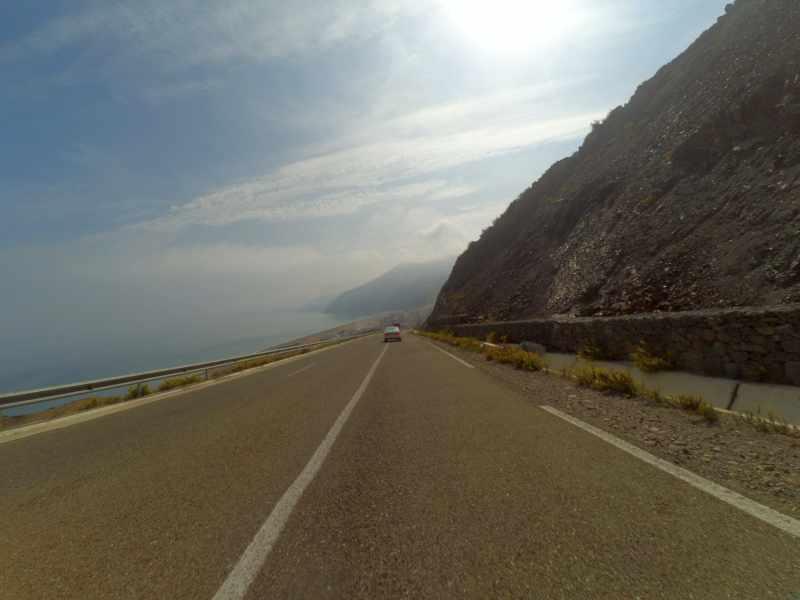 links Mittelmeer und rechts Rif-Gebirge