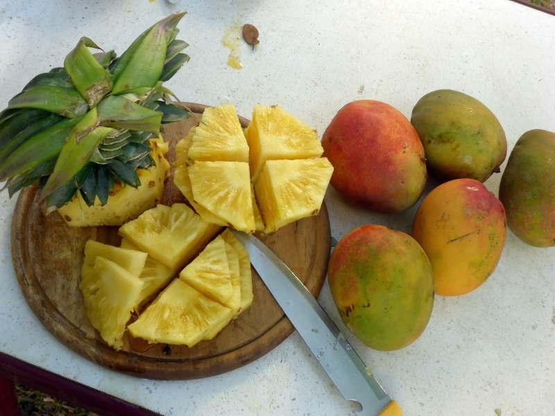 Ananas und Mango