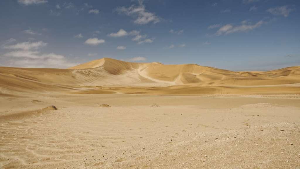 Sandfarben