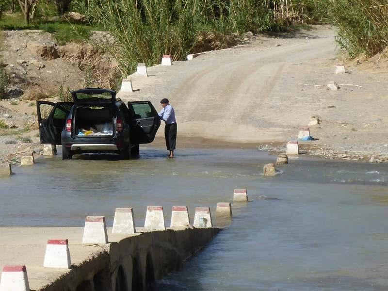 Autowäsche mit fließend Wasser