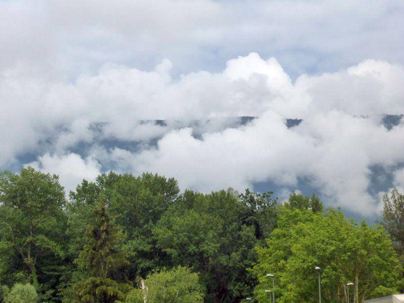 Berge  in Wattewolken