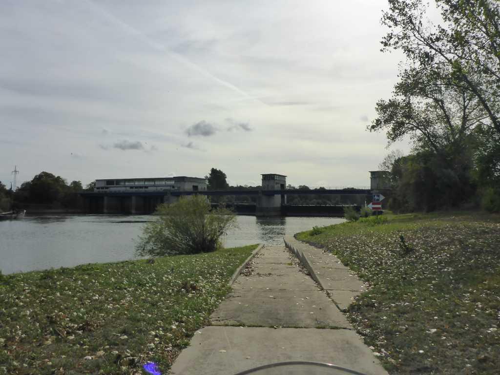 Nicht in die Weser fahren!