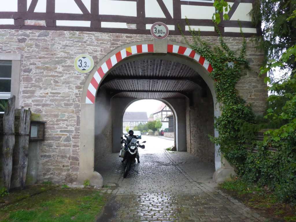 Zufahrt Weserfähre in Grohnde